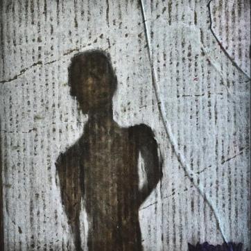 """Dastehn"""" (40 x 40 cm; marker, chalk, broken glas on cardboard; 2011; lost.)"""
